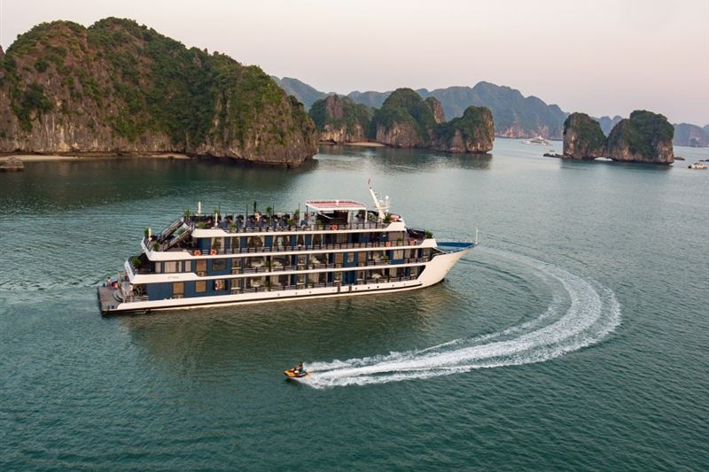 Best Halong Bay Overnight Cruise From Hanoi